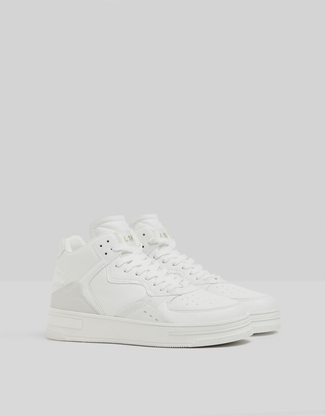 Zapatilla blanca de modelo de botín