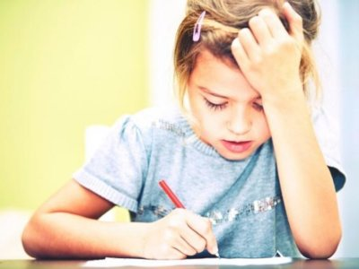 """""""Les estamos destrozando la infancia"""", hablamos con la FAPA sobre la convocatoria de la próxima huelga de deberes"""