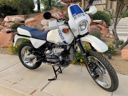 ¡A subasta! Esta BMW R100 GS de 1988 restaurada y con motor boxer ya va por más de 10.000 euros