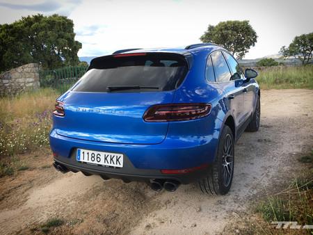 Porsche Macan trasera