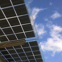 La energía solar es una de las grandes beneficiadas con la nueva tarifa eléctrica: así afectan los cambios al autoconsumo