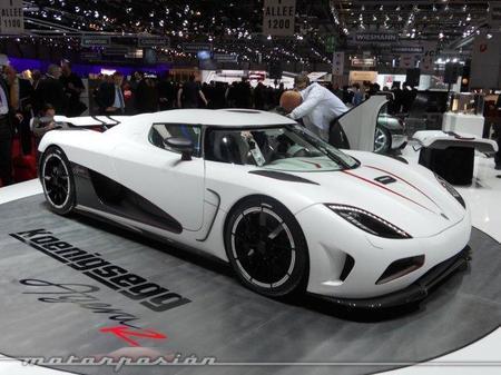 El Koenigsegg Agera R pulveriza el 0 - 300 km/h