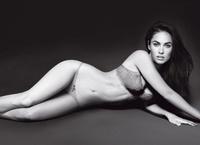 Megan Fox posa ardiente para Armani, ¡primeras fotos!