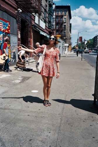 La perfección de un look de verano por Alexa Chung II