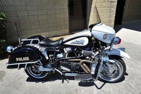 Hoy, en motos de cine: la Buell Lighting disfrazada de Indian policial para Terminator 3