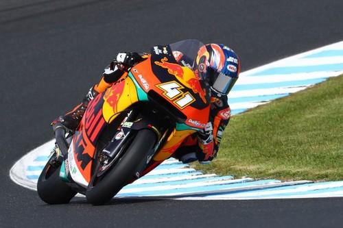 Brad Binder plasma el dominio de KTM en Australia y complica el título para Álex Márquez