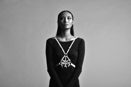 Los arneses de moda de Zana Bayne