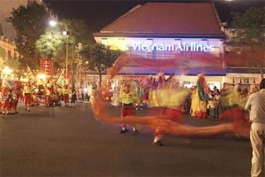 Grandes comilonas en el Tet, fin de año lunar en Vietnam