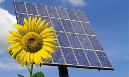 La energía renovable crece en marzo, ¿será el principio del fin de una electricidad cara?