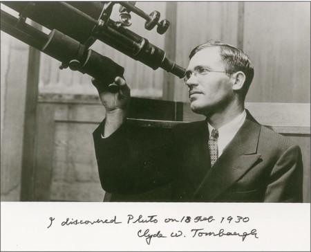 A 85 años de su descubrimiento, Clyde Tombaugh finalmente está por llegar a Plutón