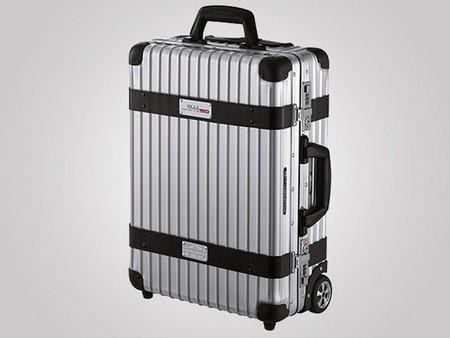 Si no puedes llevarte el Porsche de viaje hazte con la maleta Porsche x Rimowa
