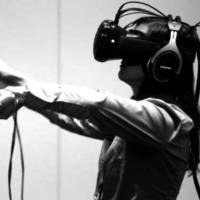 El fundador de Oculus cree que los cables son el mayor obstáculo de la realidad virtual, los móviles tienen terreno ganado