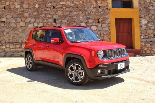 Manejamos el nuevo Jeep Renegade, un SUV caro, poco convencional y lleno de detalles