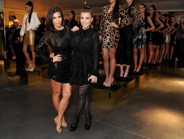 Leopardismo y mucho brilli-brilli... las Kardashian la lían en Londres