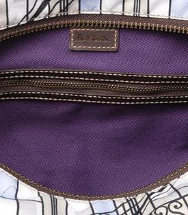 Forro color púrpura en el interior