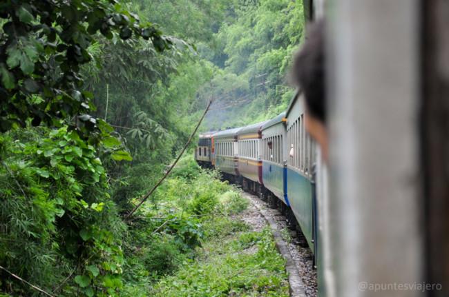 Tailandia Ferrocarril De La Muerte Y Hellfire Pass Kanchanaburi 19