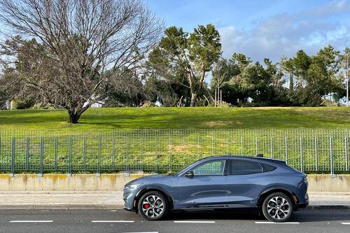 Ford Mustang Mach-E, lo hemos probado: un coche eléctrico que cuenta con argumentos para ser uno de los mejores Ford de la historia