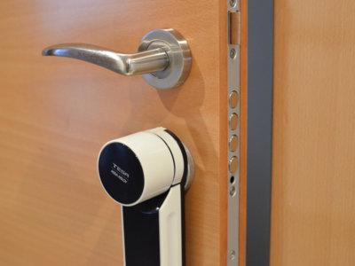 Abrir y cerrar la puerta con nuestro smartphone: probamos la cerradura conectada Tesa Entr