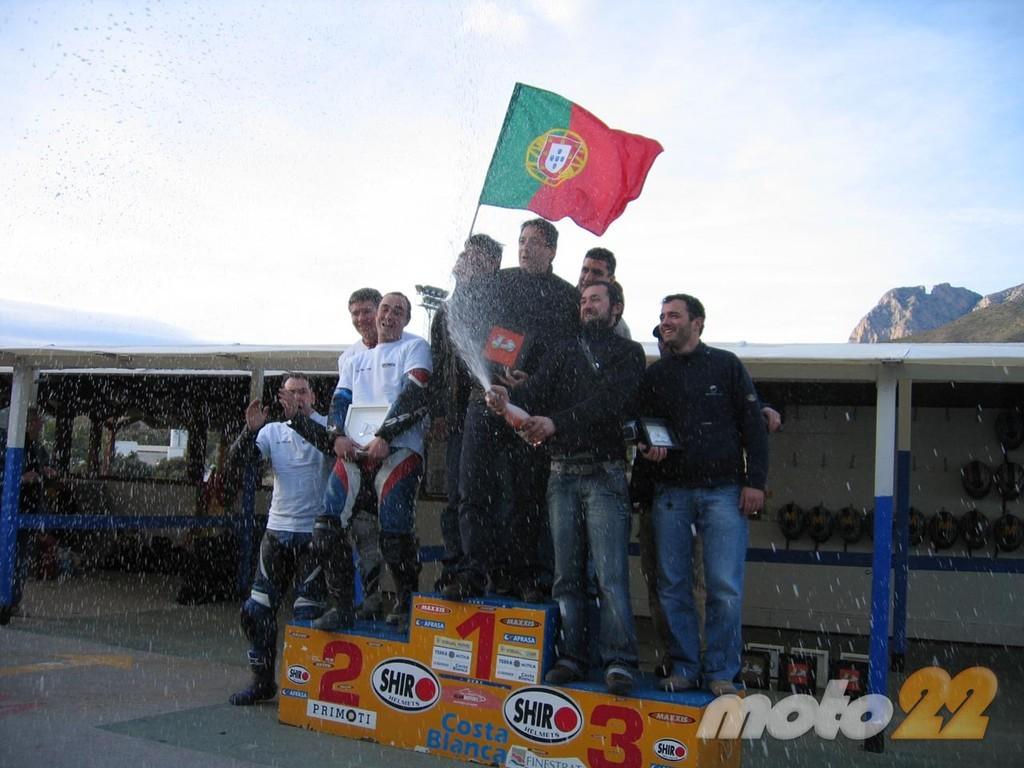 Foto de 6 horas de resistencia en Vespa y Lambretta (49/51)