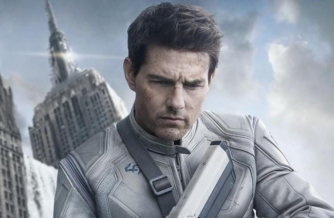 Imagen con el póster de 'Oblivion'
