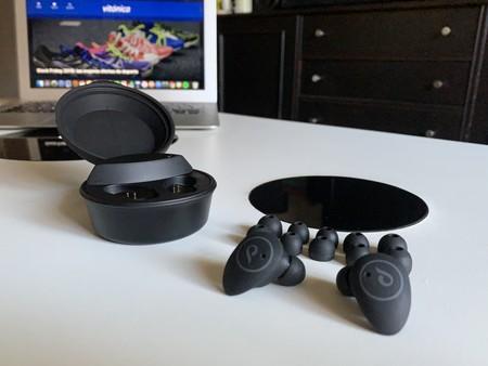 Probamos los auriculares deportivos Attitude de Cellularline: comodidad sin cables para que la música te acompañe al gimnasio