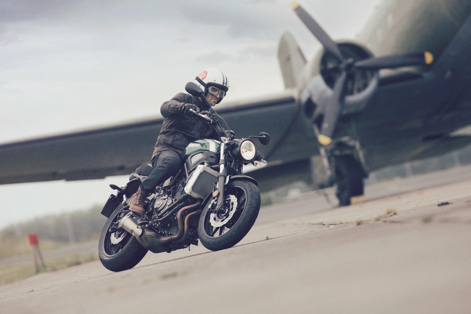 Foto de Yamaha XSR700 en acción y detalles (1/41)