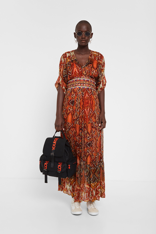 Vestido con cenefas africanas