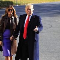 Melania Trump llega a Argentina con un look multicolor