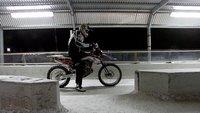 Chris Pfeiffer contra un Bobsleigh, acrobacia extrema en BMW