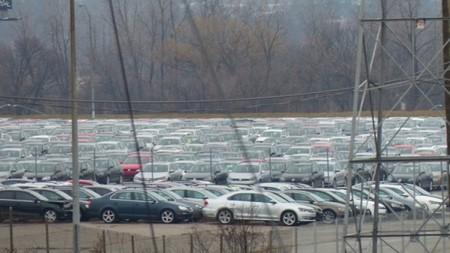 Volkswagen 'abandona' cientos de vehículos trucados en aparcamientos de Estados Unidos