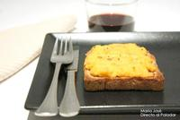 Rarebit, tostada galesa de queso Cheddar. Receta