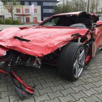 ¿Un Ferrari F12 Berlinetta por 76.999 euros? Si no te importan sus 'detalles de uso', es toda una ganga