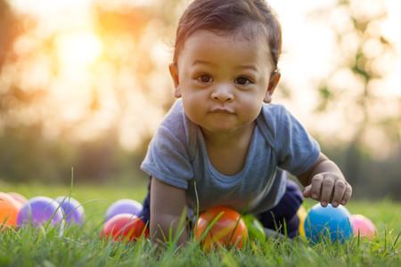 Bebé de diez meses: todo sobre alimentación, sueño y desarrollo en el décimo mes de vida