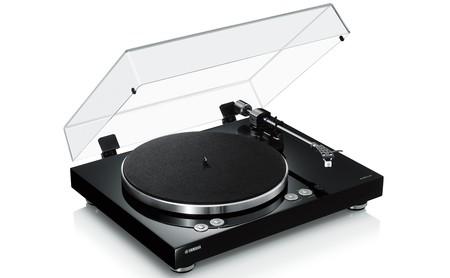 Yamaha VINYL 500 es el nuevo tocadiscos de la marca compatible con streaming digital vía MusicCast