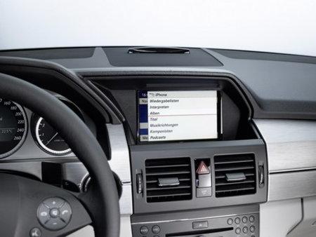 Mercedes con soporte para el iPhone