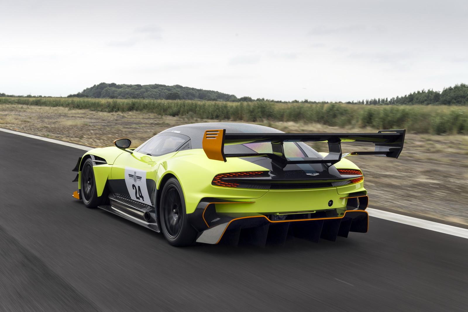 Foto de Aston Martin Vulcan AMR Pro (1/17)