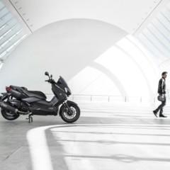 Foto 9 de 15 de la galería yamaha-x-max-400-momodesign-en-accion en Motorpasion Moto