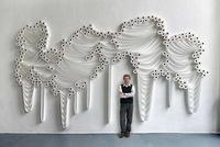 Decorando paredes con papel higiénico