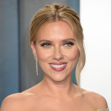 Scarlett Johansson también apuesta por la belleza y lanzará su propia línea de cosméticos para el cuidado de la piel