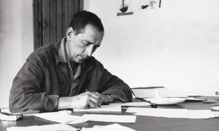 Últimos días para disfrutar de la exposición homenaje a Miguel Delibes en la Biblioteca Nacional de Madrid, la visión más entrañable y desconocida del autor