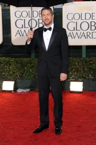 Los famosos mejor vestidos en los Globos de Oro. Gerard Butler
