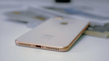 La clave para reducir marcos en el supuesto iPhone de 6,1 pulgadas: chips de retroiluminación LED de 0.3t