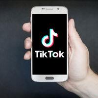 Pagar por un vídeo personalizado de TikTok, así son los nuevos 'Shoutouts'