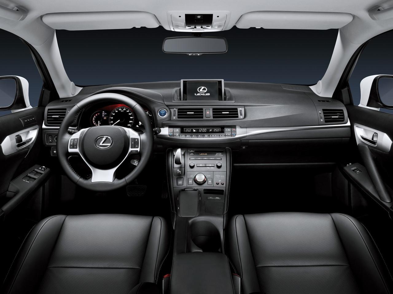 Foto de Lexus CT 200h (81/164)