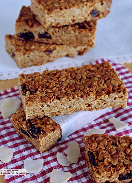 Barritas de cereales con avena, almendra y coco: receta para llevar energía en la mochila
