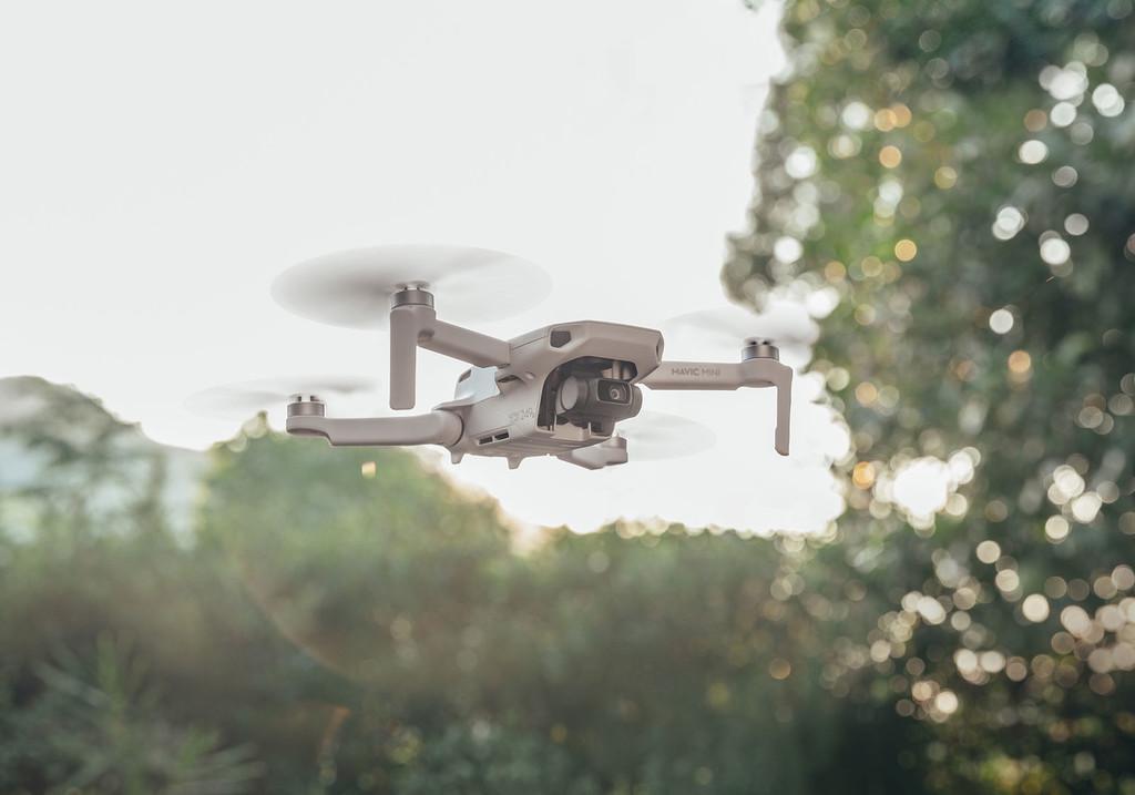 Antes de regalar un drone esta Navidad, infórmate: estas son las restricciones por peso de donde volar con él
