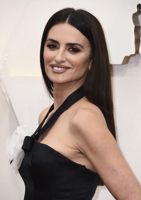Penélope Cruz no acierta y decepciona en la alfombra roja de los Premios Oscar 2020
