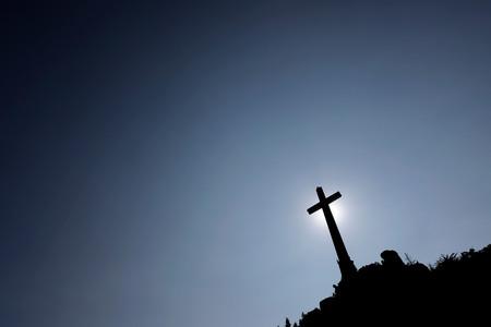 Exhumación de Franco: qué implica la inviolabilidad de los lugares de culto y por qué puede parar el proceso