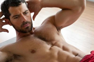 Trabajar mal los abdominales puede hacer que se debilite la pared abdominal