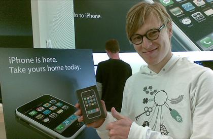 La historia se repite: El iPhone de 16 Gb es el más solicitado